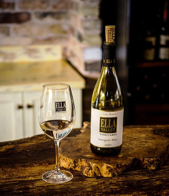יין מסדרת Ella Valley של יקב עמק האלה