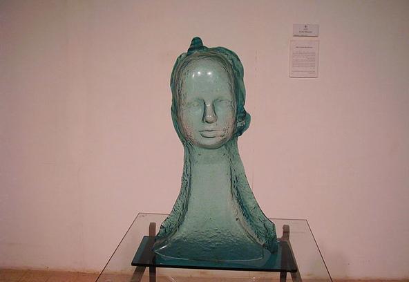 יצירת זכוכית במוזיאון הזכוכית ברובע האמנים