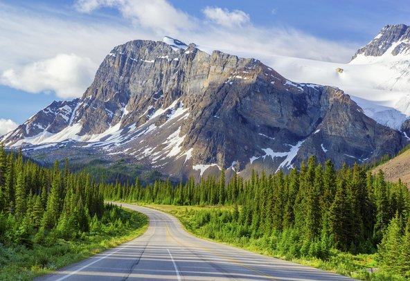 דרך פארק אייספילדס, המקשרת בין הפארק הלאומי באנף לפארק הלאומי ג'ספר. מהדרכים הנופיות בעולם