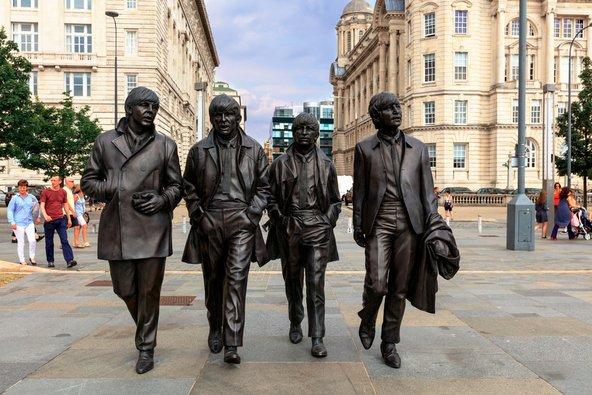 פסליהם של חברי הביטלס בליברפול