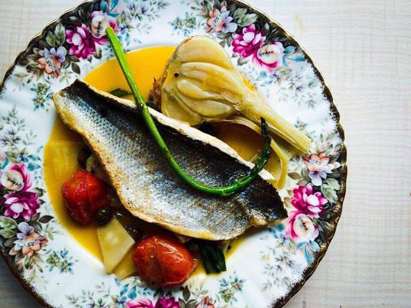 מנה יצירתית מהמטבח של מסעדת תלפיות, שוק תלפיות החיפאי | צילום: אילן פרון