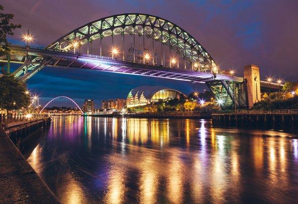 הגשר המפורסם בניוקסל, אחד מסמלי העיר