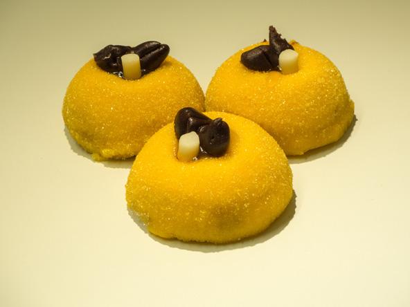 ממתק טיפוסי לברגמו, העשוי מפולנטה ומעוטר בשוקולד