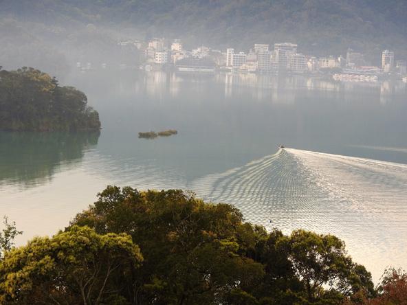 אגם השמש והירח, אחד מאתרי הטבע היפים בטייוואן