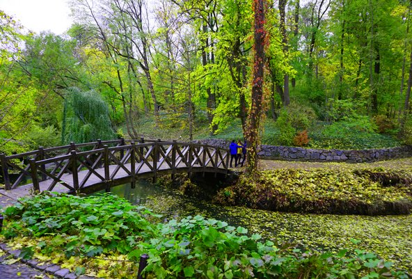 פארק סופיאיבקה באומן. מפלט ירוק ושליו מהמולת העיר
