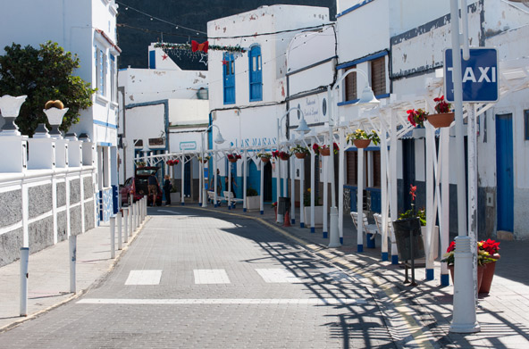 נגיעות ים תיכוניות: רחוב באגאטה