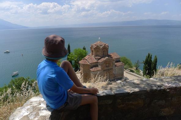 אגם אוכריד במקדוניה. טיסה ישירה למקדוניה הופכת את היופי הזה לנגיש מאוד   צילום: נעם תדהר