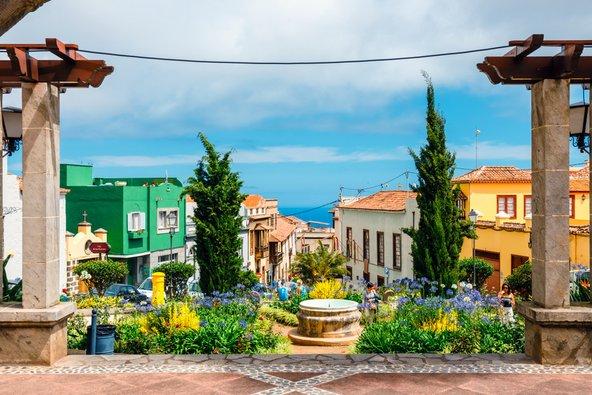 בתים צבעוניים בעיירה לה אורוטבה