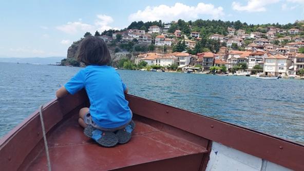 שייט באגם אוכריד במקדוניה. לצד נסיעה בג'יפ, הטיול כולל פעילויות מרתקות רבות   צילום: נעם תדהר