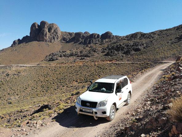 השיא במרוקו: מסע מאתגר ומרגש בין נופי הרים לנופים מדבריים