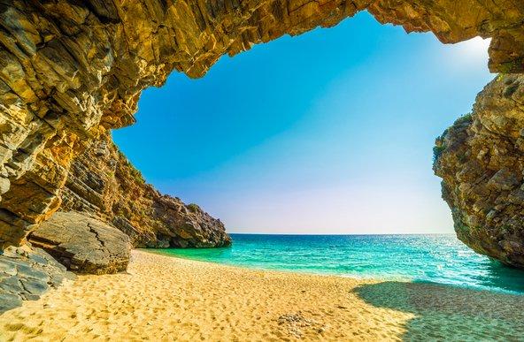 חוף מילופוטמוס, מהחופים היפים בחצי האי פליון