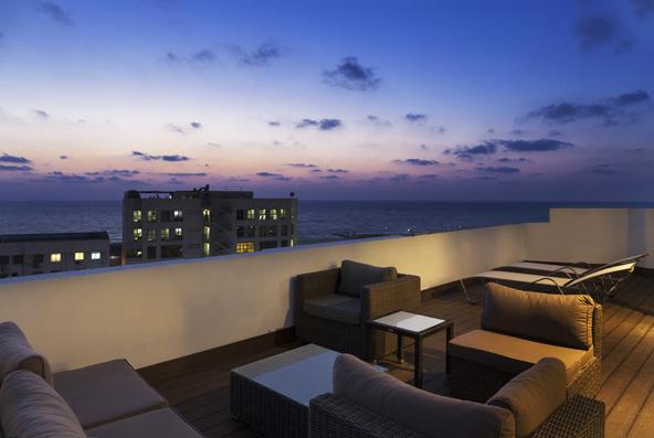 מלון פורט אנד בלו – בילוי עירוני