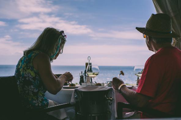 ארוחת ערב רומנטית מול הים בטנריף
