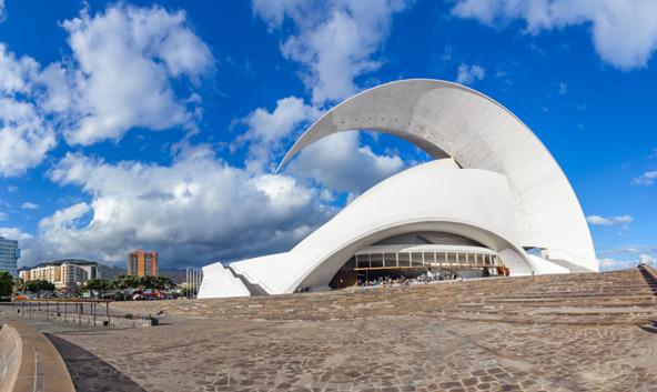 האודיטוריום שעיצב קלטרווה בסנטה קרוז דה טנריפה, בירת האי