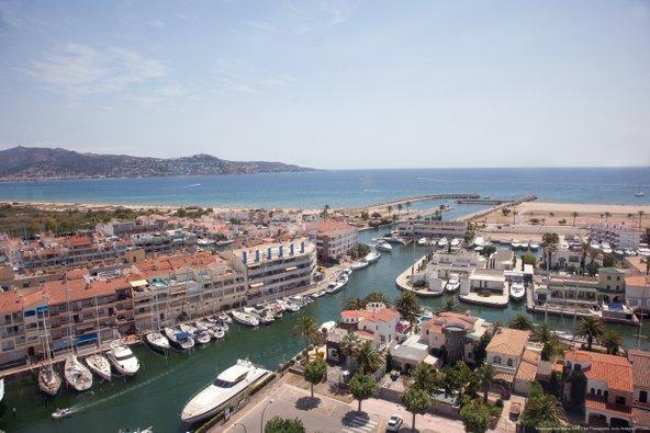 עיירת התעלות אמפוריה בראווה   צילום: Maria Geli i Pilar Planaguma_Patronat de Turisme Costa Brava Girona