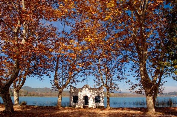 אגם באניולס, הגדול ביותר בקטלוניה   צילום: Curto Imatges, C. C. del Pla de l'Estany_Patronat de Turisme Costa Brava Girona