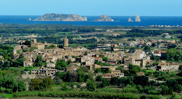 תצפית לים מהגבעה ליד פאלס   צילום: Francesc Tur_Patronat de Turisme Costa Brava Girona