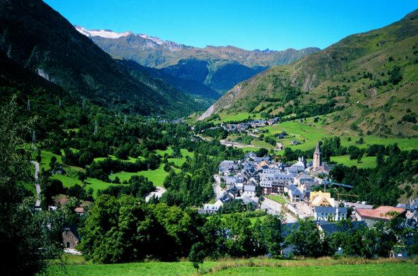 סלרדו, אחד הכפרים היפים בעמק   צילום: Servicios Editorials Georama_Agència Catalana de Turisme