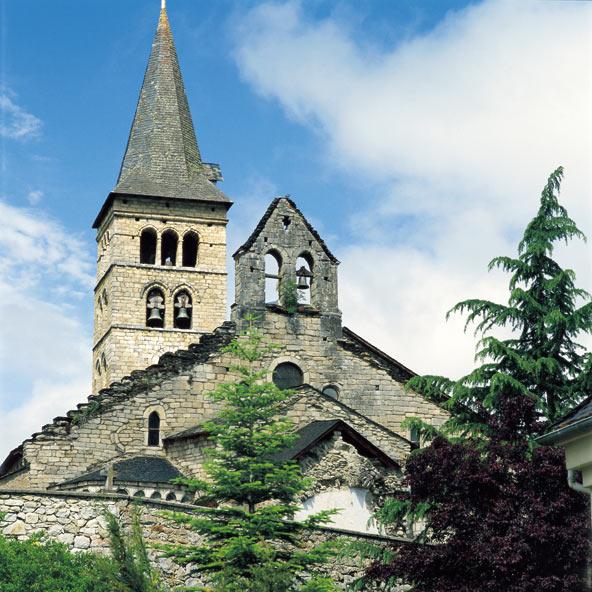 כנסייה רומנסקית בכפר ארטייס בעמק אראן   צילום: M.A.S._Agència Catalana de Turisme