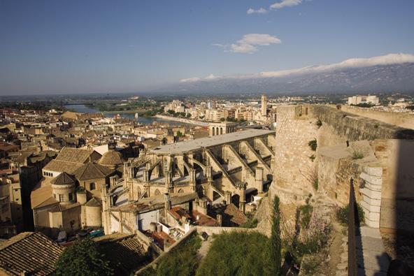 תצפית על הרובע העתיק של טורטוסה   צילום: Miguel Raurich_Agència Catalana de Turisme