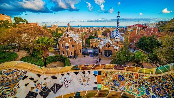 פארק גואל, מהאטרקציות הבולטות של ברצלונה   צילומים: שאטרסטוק