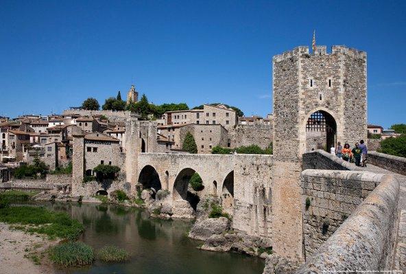 בסאלו, יפה כמו גלויה | צילום: Maria GELI i Pilar PLANAGUMÀ_Patronat de Turisme Costa Brava Girona