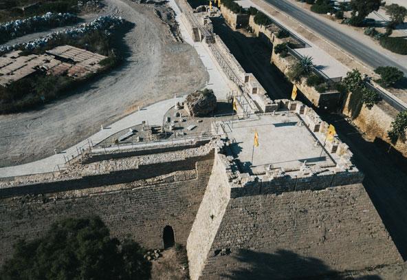 מבט-על על טיילת החומות | צילום: דניס בוטנרו