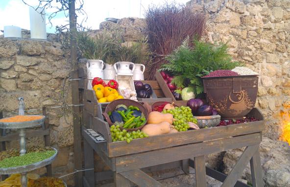 דוכן בשוק הצלבני באירוע חנוכת הטיילת. בעתיד יתקיימו במקום אירועים קולינריים ברוח התקופה