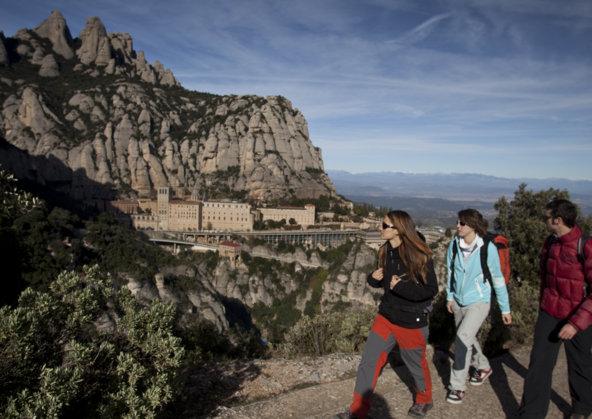 מבט על מונסרט מאחד משבילי ההליכה באזור | צילום: Daniel Julian Rafols_Agència Catalana de Turisme