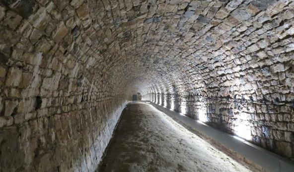 """מתחת לאדמה: רשת מנהרות נמתחת לאורך 7 ק""""מ מתחת למבצר של נאמור"""