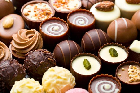 לחובבי השוקולד לא כדאי לוותר על סדנה להכנת פרלינים | צילום: שאטרסטוק