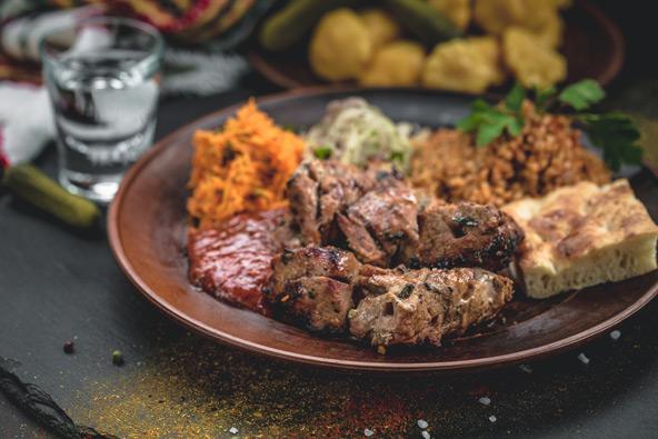 המטבח האלבני יכבוש אתכם עם מנות בלקניות לצד מנות ים תיכוניות ואיטלקיות