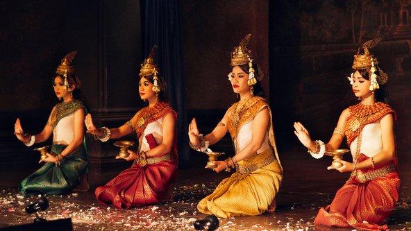 הטיול בקמבודיה מציע לא רק נופים יפים אלא גם מפגש עם התרבות והמסורת המקומית