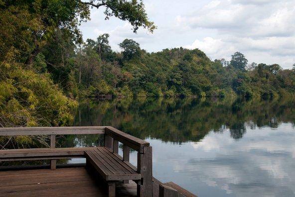 אגם בראטאנאקירי. אזור של טבע פראי