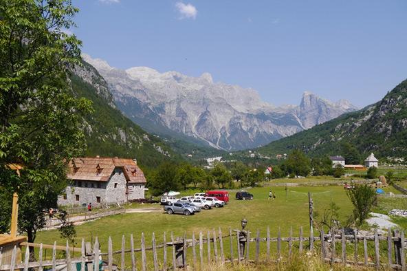 טיול באלבניה עובר דרך פינות חמד בלתי נשכחות