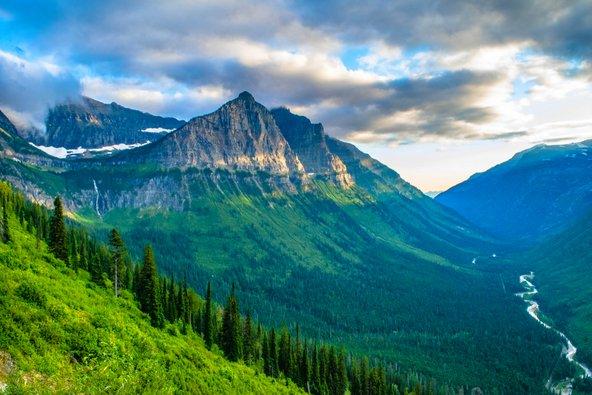 נוף בשביל הייליין בפארק הלאומי גליישר | צילומים: שאטרסטוק