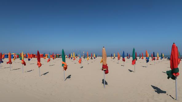 חוף דוביל. הכל לכדי תמונה אימפרסוניסטית | הצילומים בכתבה: רוני ערן