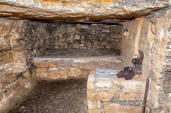 הקטקומבות של אודסה פרושות בכמה מפלסים מתחת לעיר וסביבתה