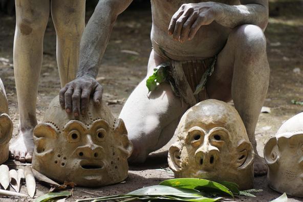 מסכות בפפואה ניו גיני | צילום: דפנה נבו