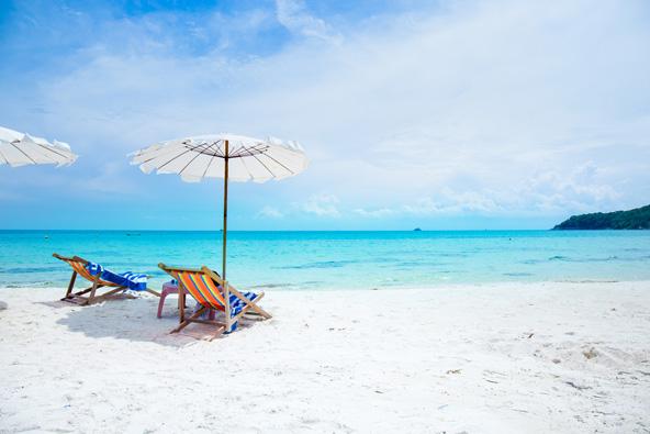 חוף חלומי בקו סאמט. להירגע בשלווה לא רחוק מפאטייה ההומה