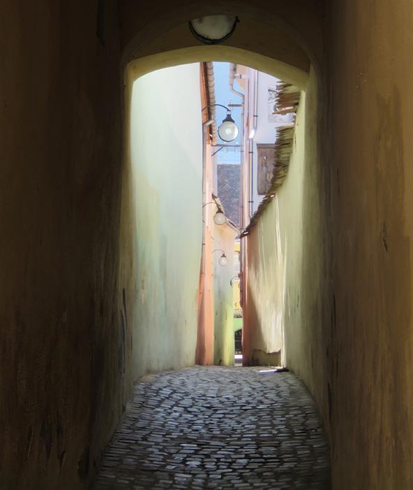 רחוב החוט, אחד הצרים באירופה. במקום תוכנן כמעבר לכבאים