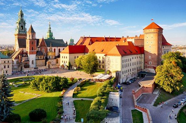 מצודת וואוול המרשימה החולשת על העיר