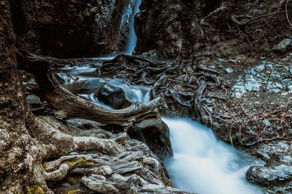 מפלי קלדוניה, מפינות החמד היפות באזור פאפוס