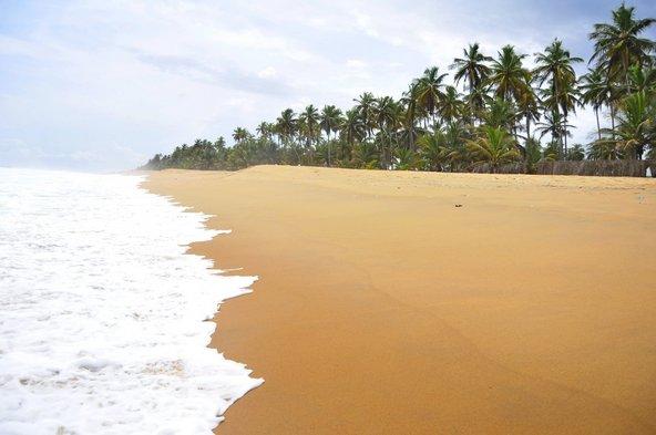 חוף בתולי בחוף השנהב