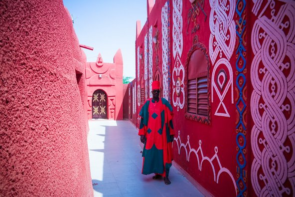 מגורי הסולטן בעיר זינדר בניז'ר | צילום: Homo Cosmicos / Shutterstock.com