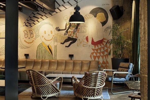 בר הבושוויק. מקום נהדר לקפה של בוקר או לקוקטייל של לילה | צילום: אסף פינצ'וק