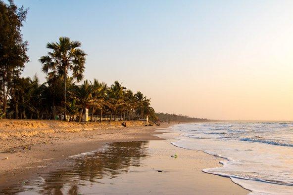 אחד מהחופים היפים בסרקונדה שבגמביה