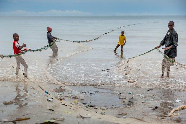 דייגים בסיירה לאון