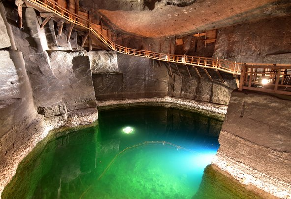 אגם תת קרקעי במכרה המלח וייליצ'קה | צילום: akturer / Shutterstock.com