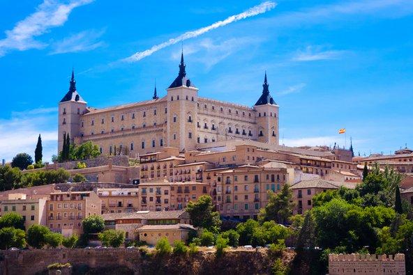מבצר אלקזר החולש על העיר